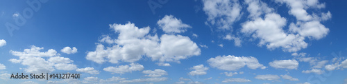 Fotografie, Obraz  Blauer Himmel mit Schäfchenwolken
