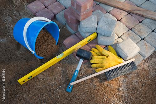 Poster Ecole de Danse stone blocks rubber hammer level gloves and tape measure