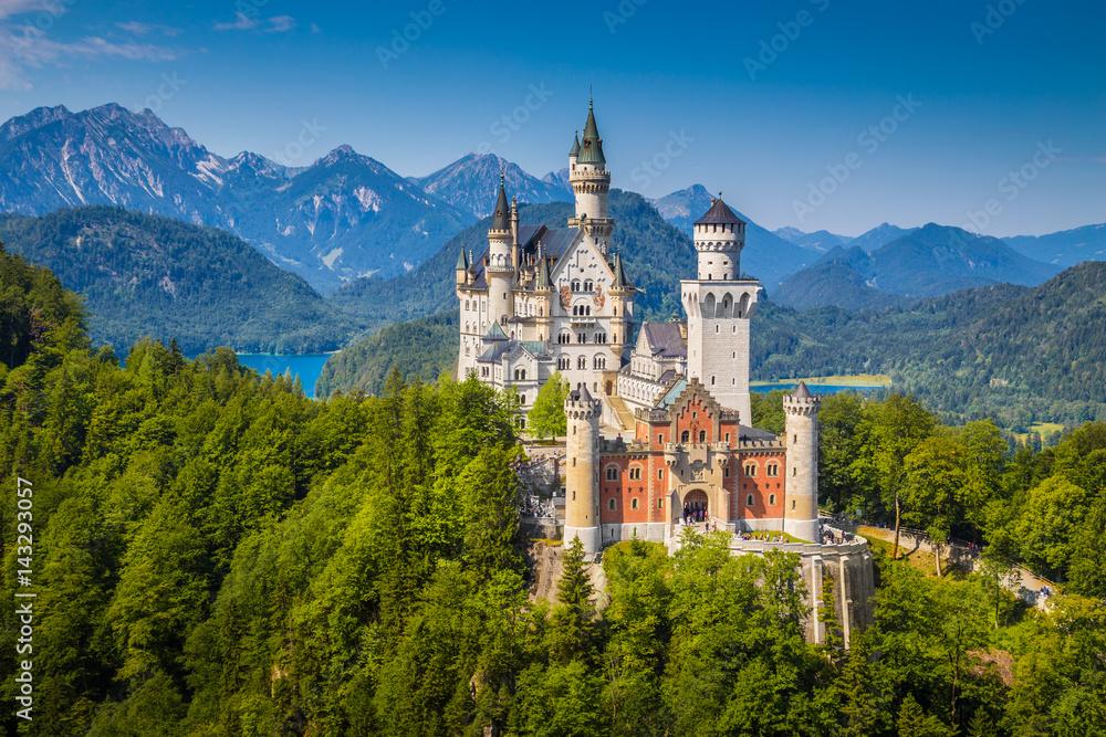 Fototapety, obrazy: Schloss Neuschwanstein in summer, Bavaria, Germany