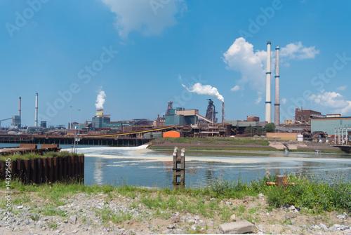 Fototapeta  large steel factory