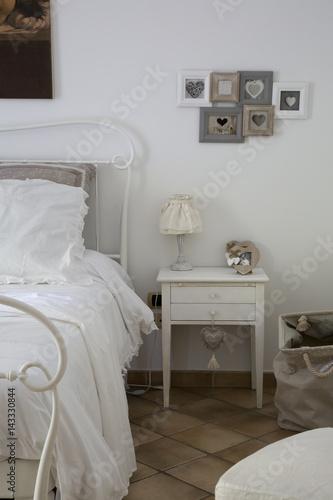 Camera da letto – kaufen Sie dieses Foto und finden Sie ...