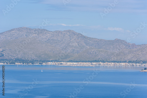 Papiers peints Alpes Port de Pollenca - beautiful beach and coast of Mallorca, Spain