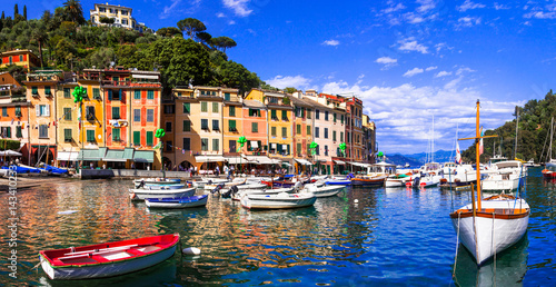 Photographie  Beautiful colorful towns of Italy - luxury Portofino in Liguria