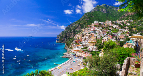 Ingelijste posters Kust Beautiful coastal towns of Italy - scenic Positano in Amalfi coast
