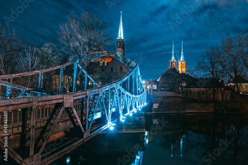 fototapeta na szkło Tumski Bridge at night in Wroclaw, Poland