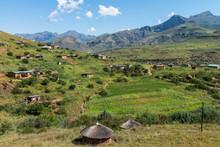 Lesotho - Village De Montagne
