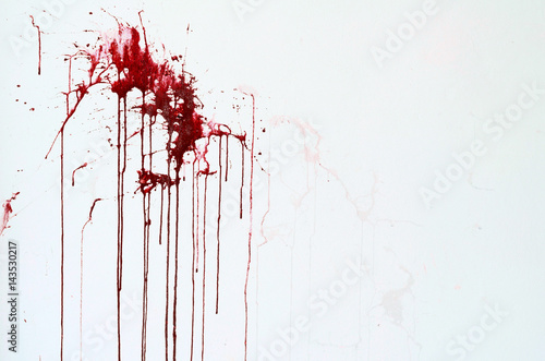 Stampa su Tela Background texture cement white wall with red blood-like paint streaks
