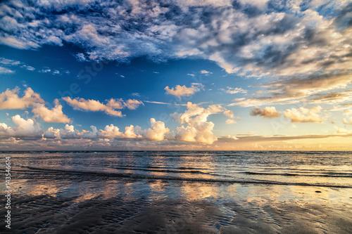 Spoed Foto op Canvas Noordzee Drama Sky