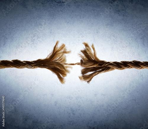 Fotografía  Rope Frayed In Tension - Risk Of Breaking