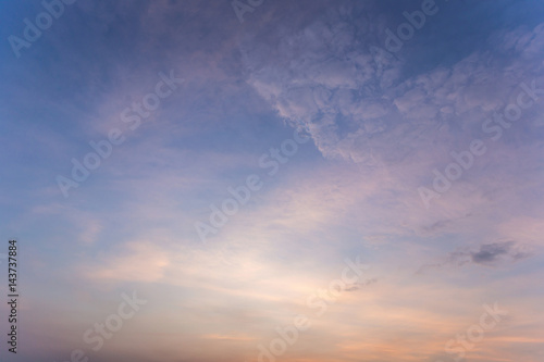 Cadres-photo bureau Ciel Colorful dramatic sky with cloud at sunset.Sky with sun background.
