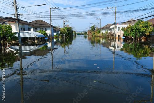 Plakat Ulica pod powodzi wodą, Bangkok, Tajlandia.