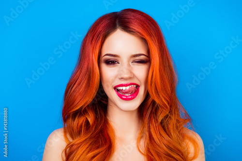 Cuadros en Lienzo close up portrait of  funny attractive pretty girl with long ginger fair hair pu