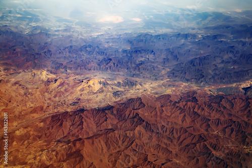 Vue aerienne Aerial view from air plane of desert mountains
