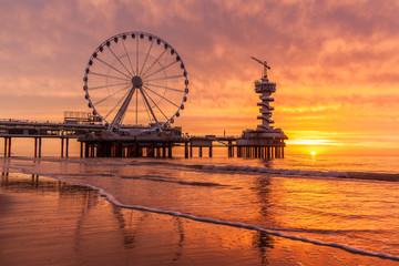 Fototapeta na wymiar Scheveningen at sunrise