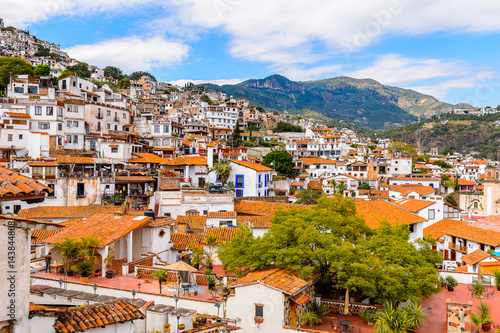 Tuinposter Athene Aerial view of Taxco, Mexico. The town is known because of its Silver products