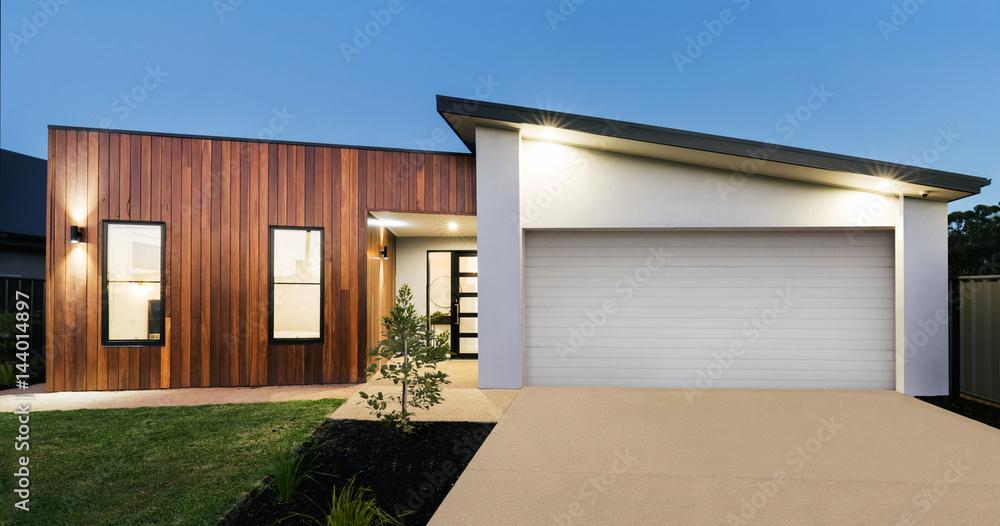 Fototapety, obrazy: Contemporary new Australian home lighting at dusk