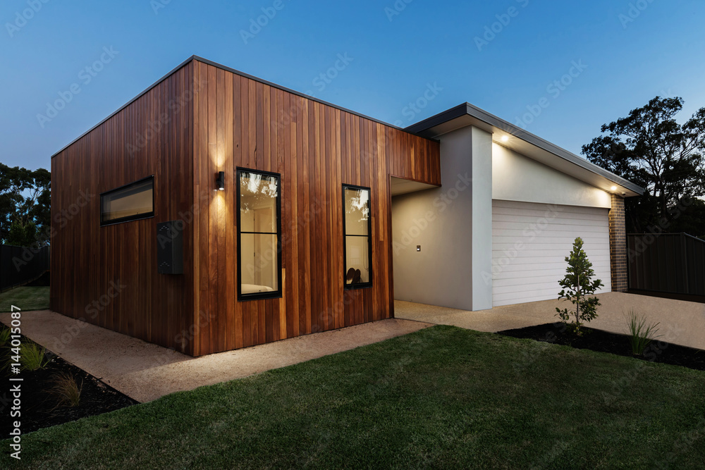 Fototapety, obrazy: Dusk shot of a contemporary Australian home