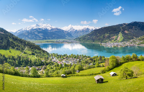 Spoed Foto op Canvas Alpen View over Zell am See in Summer, Salzburg, Austria