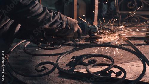 Leinwand Poster Smith smoothing metal grate