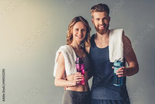 Photo  Beautiful young sports couple