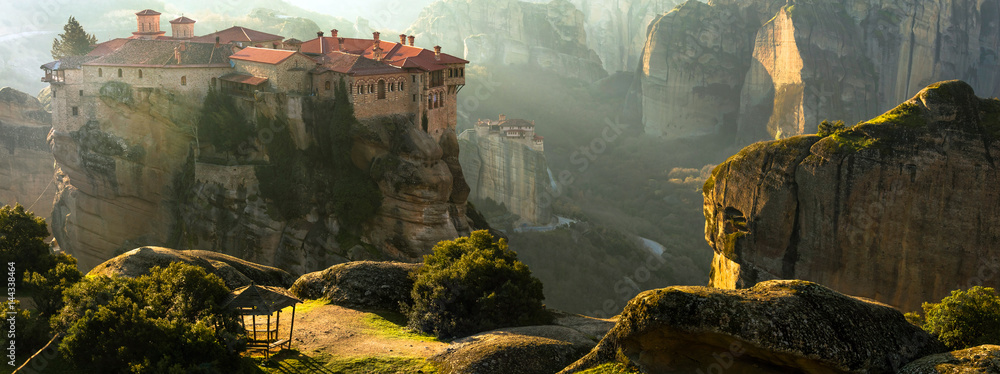 Fototapety, obrazy: Mysterious hanging over rocks monasteries of Meteora, Greece