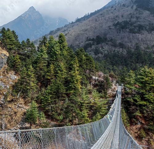 Suspension bridge near the village Phungi Thanga - Nepal, Himalayas Canvas-taulu
