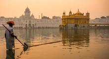 Golden Temple, Amritsar, Punja...
