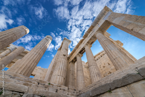 Poster Ruine Columns of Propylaea gateway in Acropolis of Athens, Greece