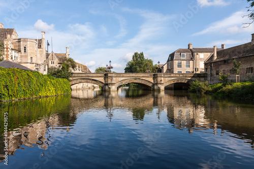 Montage in der Fensternische Fluss River Welland in Stamford, Lincolnshire, England, UK