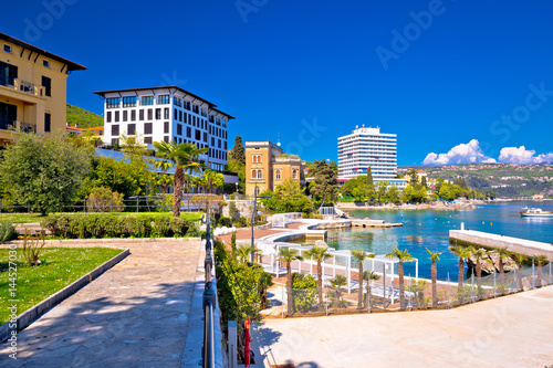 Obraz Luxury waterfront walkway in Opatija - fototapety do salonu