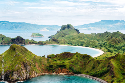 Ingelijste posters Eiland Padar Island, Komodo National Park in East Nusa Tenggara, Indonesia. Amazing marine seascape with mountains and rocks