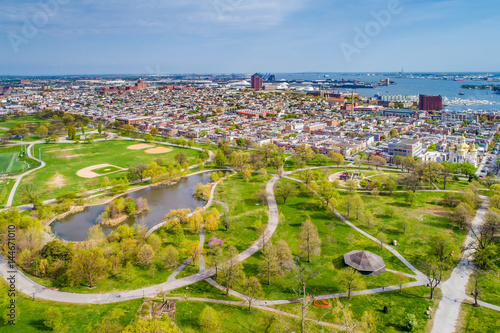 Valokuva  Aerial view of the pond at Patterson Park and Canton, in Baltimore, Maryland