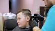 Barber makes a stylish men's haircut
