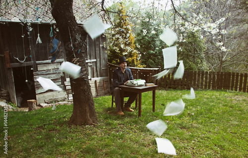 Vintage Outdoor Book Writer Fototapet