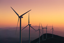 Renewable Energy With Wind Tur...