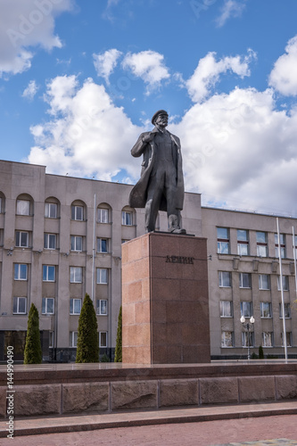 Tuinposter Oost Europa Lenin's Statue in Hrodna in Belarus