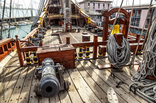 Ingelijste posters Schip Wooden pirate ship in Genova port