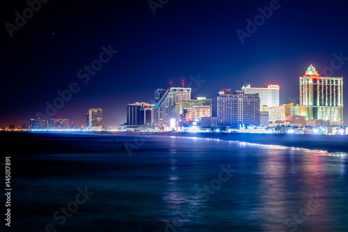 Skyline of Atlantic City, New Jersey at night at the boardwalk Fototapeta