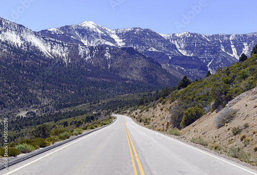 Photo  Driving into the Spring Mountains, near Las Vegas Nevada