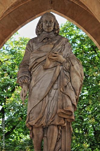 Foto auf AluDibond Historische denkmal Monument to Blaise Pascal in Paris, France