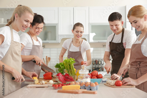 Poster Cuisine Group of people at cooking classes