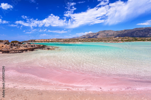 Foto auf Gartenposter Strand Elafonissi beach with pink sand on Crete, Greece
