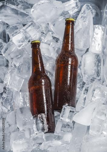 butelki-piwa-na-lodzie