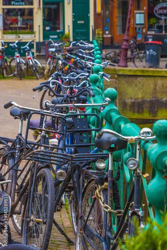 Photo  Fahrräder in Amsterdam Hochformat