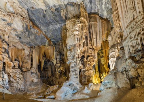 Poster Afrique du Sud Stalactites and stalagmites in the Botha Hall, Cango Caves