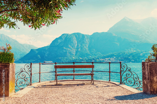 Cuadros en Lienzo Scenic place with view of Como lake, Italy.