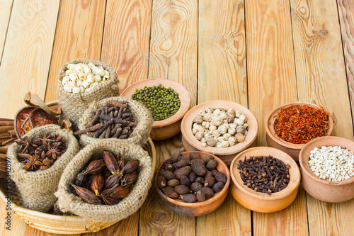 Obraz na plátně Herbs and spices