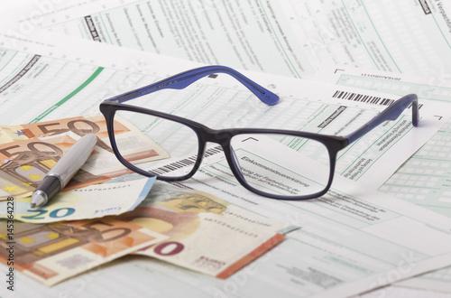 Fotografía  Steuer, Einkommenssteuererklärung