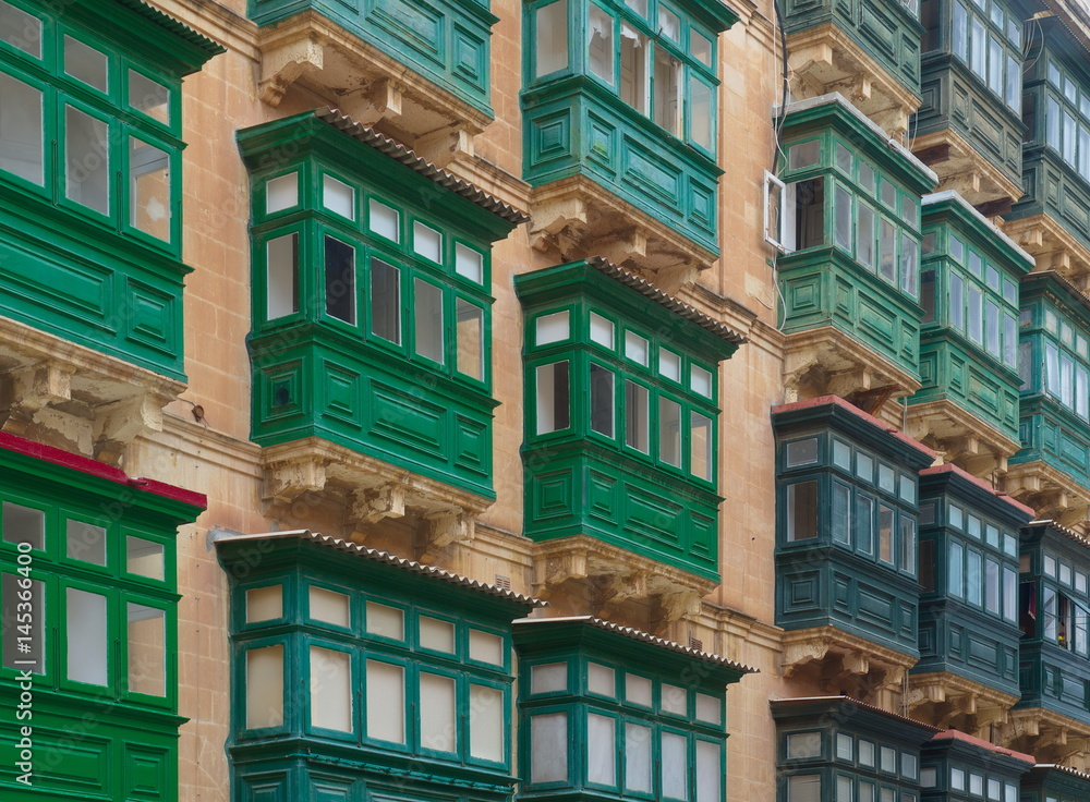 Sportcitaten : Poster foto balkone in valletta malta koop op europosters.be