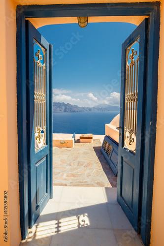 drzwi-z-widokiem-na-morze